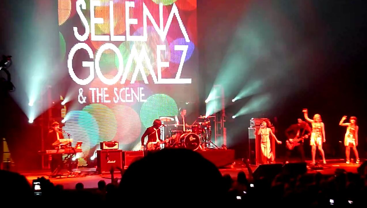 Jingle Ball 2010 Selena Gomez